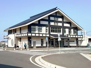 神湊渡船ターミナル入口前